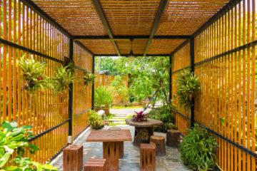 Wooden garden alcoves